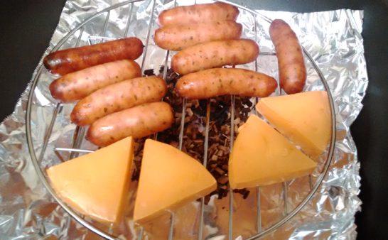 キッチンで燻製ができる『燻製網』と『スモークチップスさくら』